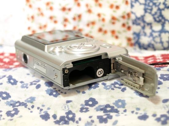 DSC517は単四乾電池で動きます