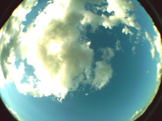 空の写真などは地球みたいな雰囲気で楽しいです♪