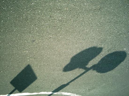標識の影は基本です?(^_^;)