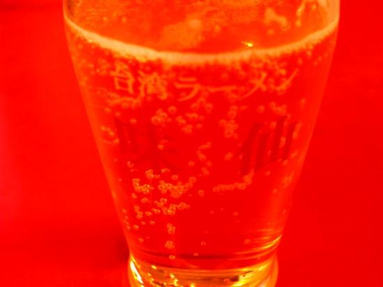 これ、、ビールの写真です(笑)さすが変デジ!何が何だか分かりませんwww
