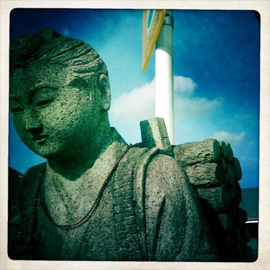 Hipstamaticで撮った二宮金次郎さんの写真