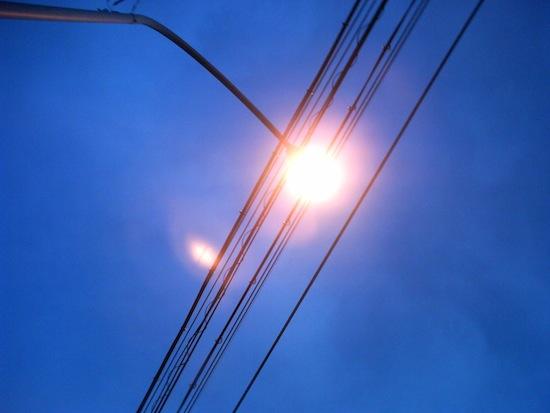 停車中に外灯をノーファインダーでパシャ!