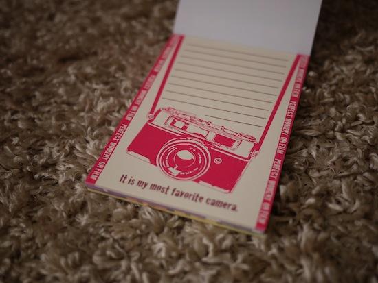 カメラ柄のメモ帳