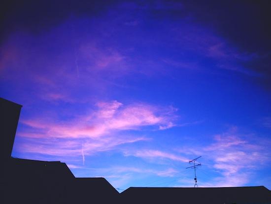 夕暮れ。すごい色で撮れた!これいいよ!