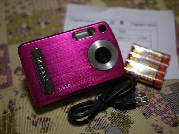 本体・USBケーブル・乾電池・保証書