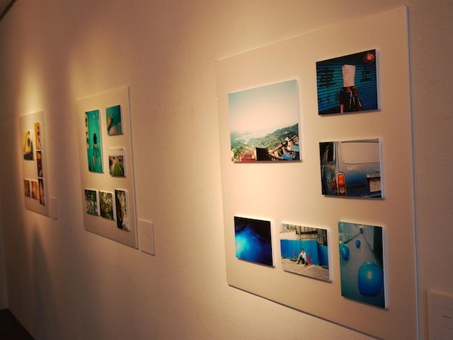 先ほどの写真とこちらの壁で6色。カラーをテーマにした展示です。