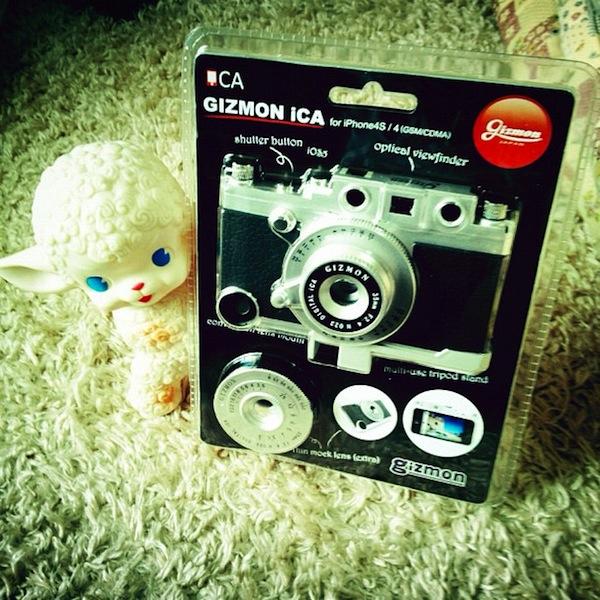 コレがiPhoneケースだなんて!カメラだよね!?と思わせるパッケージ!かっこいい!