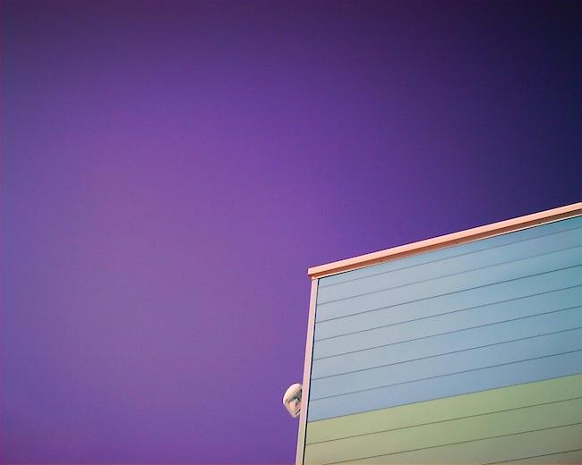 ときどき紫色に写る空も好きです。