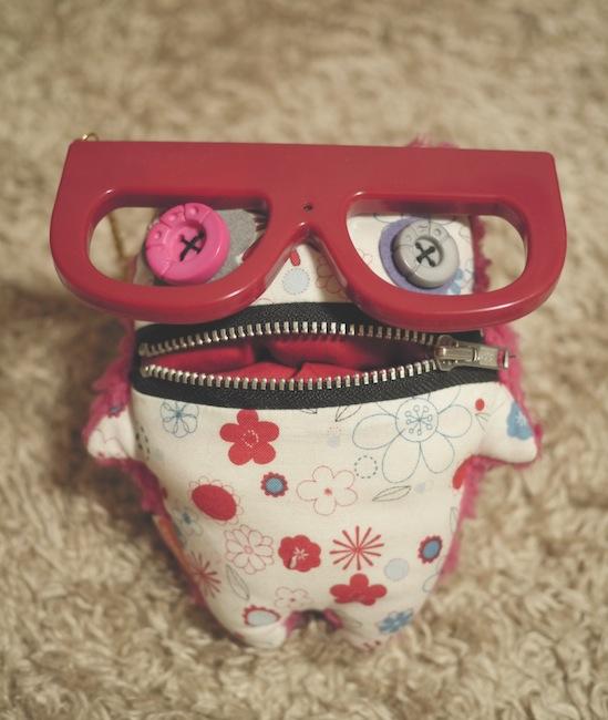 変デジ賞の賞品はメガネカメラです!
