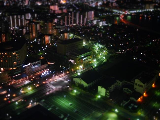 こちらはアートフィルターを使いました。「ジオラマ」を使って夜景撮影。
