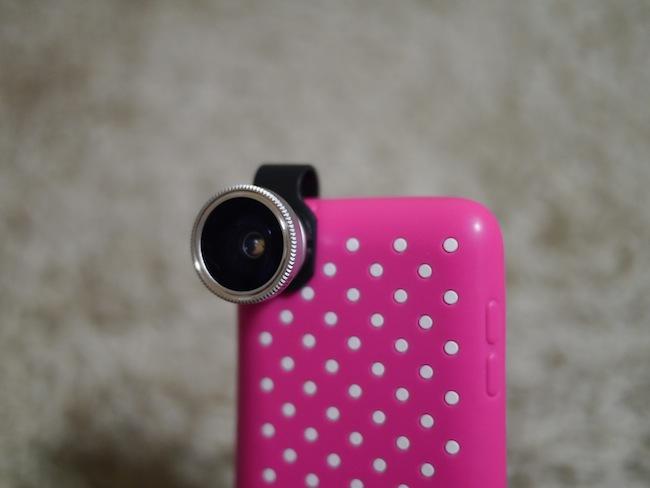 こちらはiPhoneではなくiPod touchに取り付けた写真。