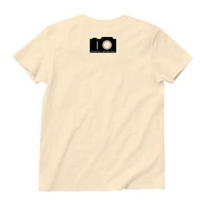 バックにはカメラをイメージした変デジ研究所のロゴが。