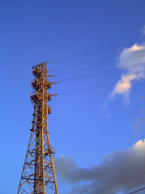 最近あまり撮ってなかった鉄塔。また鉄塔ばかり撮りに出かけたいなぁ。