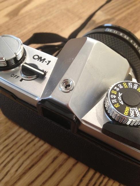 オリンパス OM-1 ホットシュー